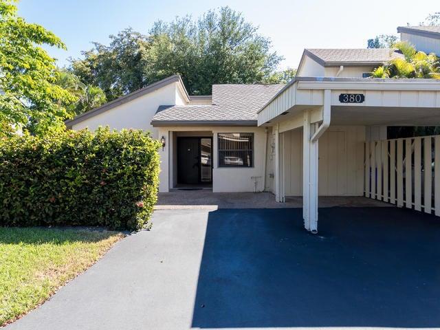 380 Deer Creek Wildwood Lane E, Deerfield Beach, FL 33442