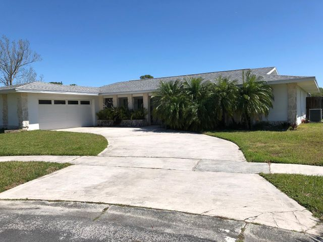 681 Pebble Beach Avenue NE, Palm Bay, FL 32905