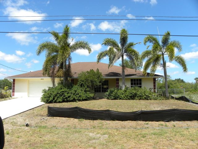 1425 SW Bougainvillea Avenue, Port Saint Lucie, FL 34953