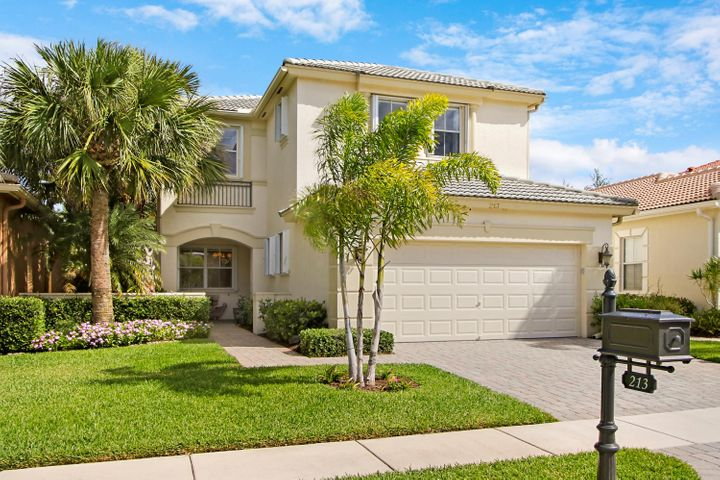 213 Isle Verde Way, Palm Beach Gardens, FL 33418