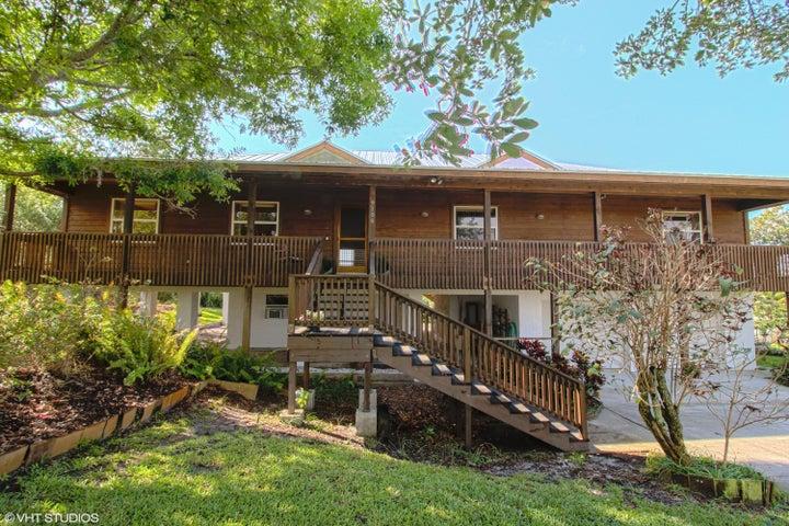 9106 SE Karin Street, Hobe Sound, FL 33455