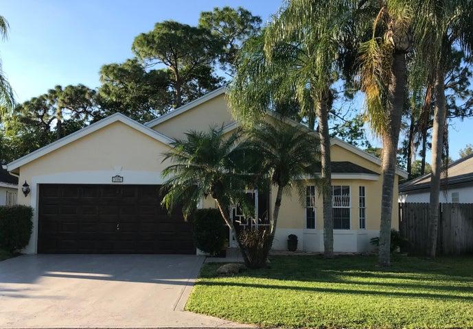 136 Meadowlands Drive, Royal Palm Beach, FL 33411