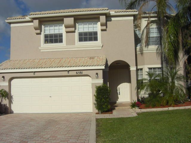 6581 Stonehurst Circle, Lake Worth, FL 33467