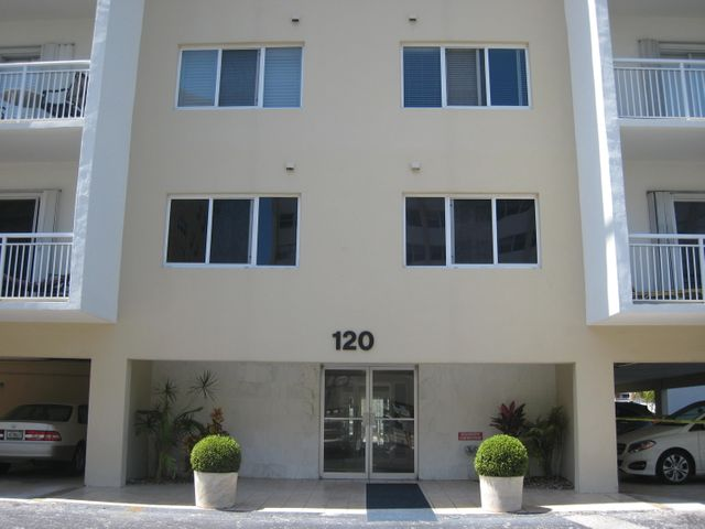 120 Golden Isles Drive 23b, Hallandale Beach, FL 33009