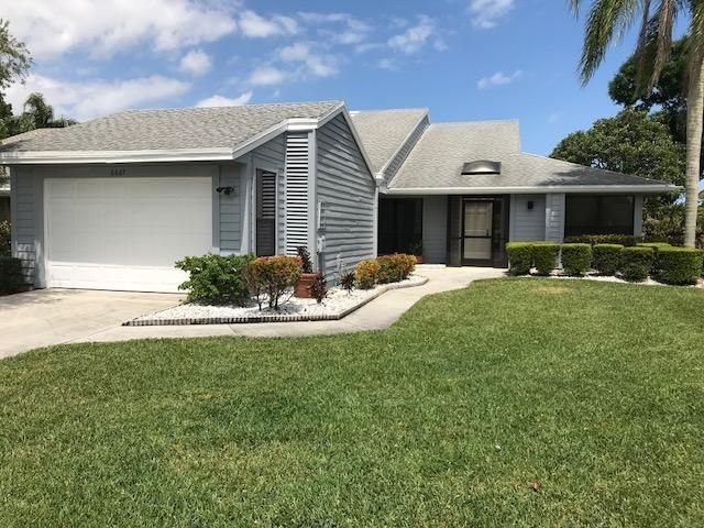 6667 S Pine Court, Palm Beach Gardens, FL 33418