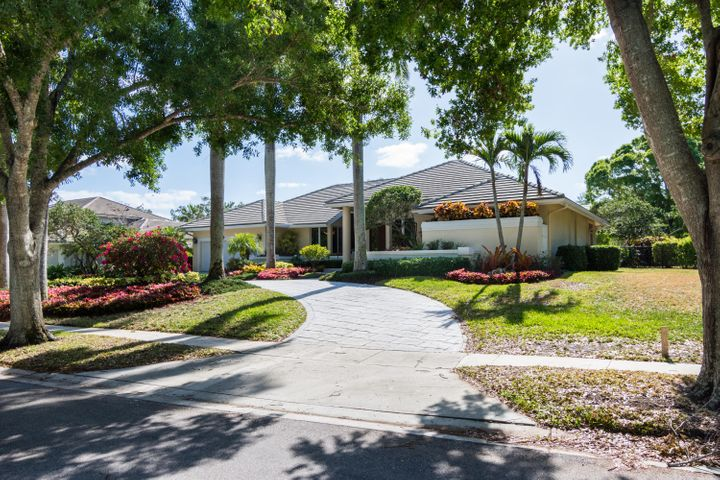 4555 NW 23rd Terrace, Boca Raton, FL 33431