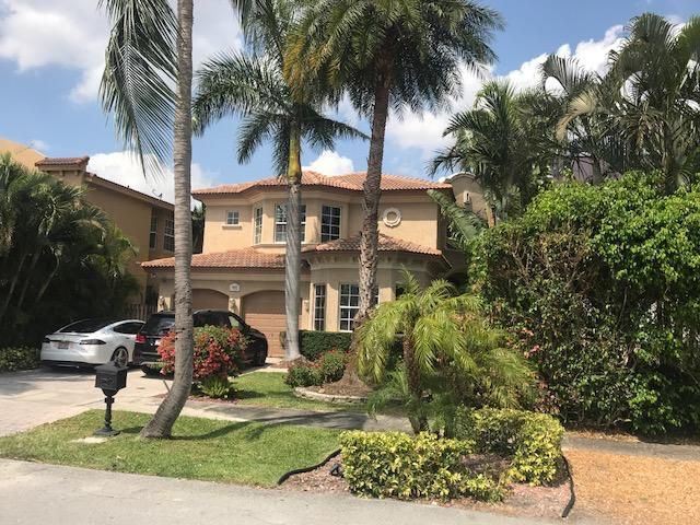 1627 NE 5th Street, Fort Lauderdale, FL 33301