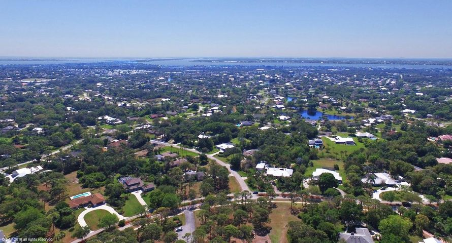 2871 NE Pinecrest Lakes Boulevard, Jensen Beach, FL 34957