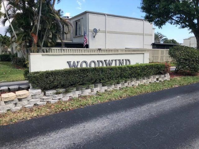 12053 N Regal Court E, Wellington, FL 33414