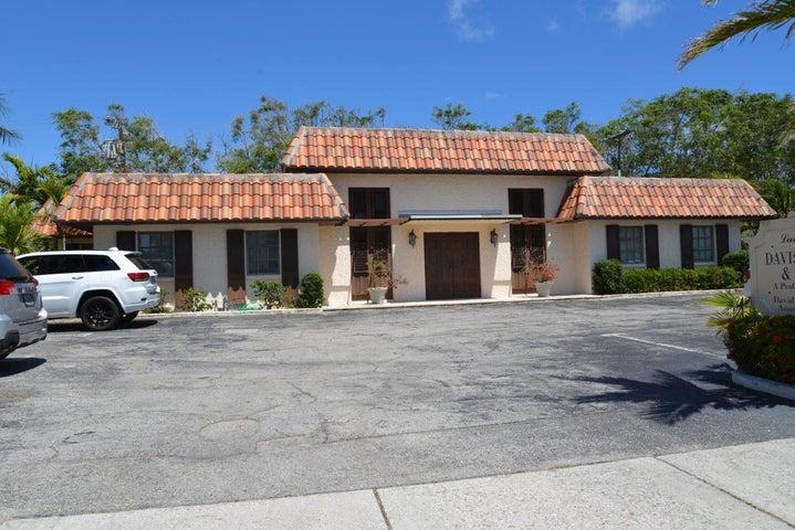 201 Arkona Court, West Palm Beach, FL 33405