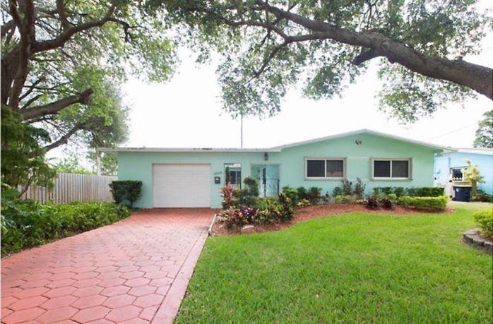 4564 SW 38 Terrace, Dania Beach, FL 33312
