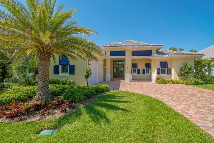211 Coconut Creek Court, Vero Beach, FL 32963