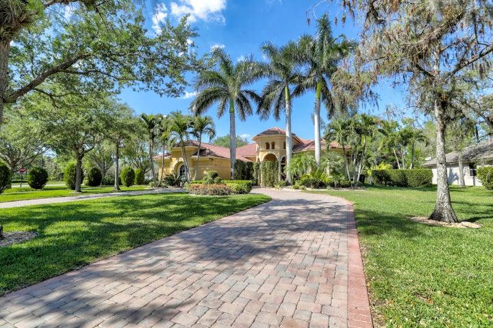 9031 NW 62 Place, Parkland, FL 33067