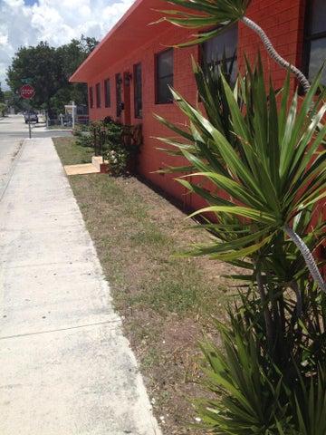 920 3rd Avenue N, Lake Worth, FL 33460
