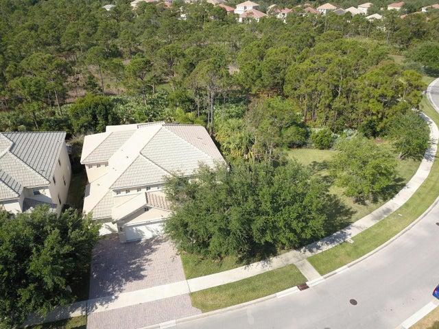 5736 SE Crooked Oak Avenue, Hobe Sound, FL 33455