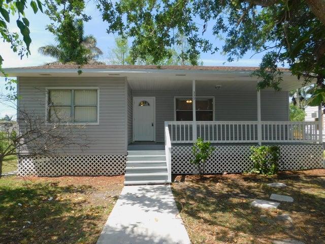 339 Annona Avenue, Pahokee, FL 33476