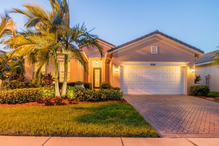 9581 SW Glenbrook Drive, Port Saint Lucie, FL 34987