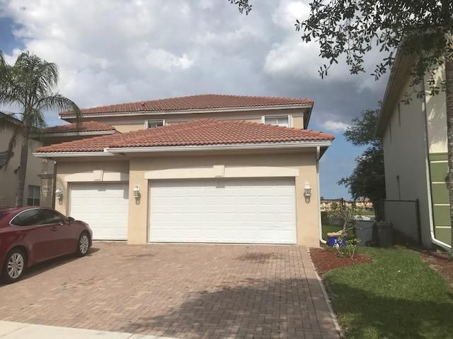 784 Cresta Circle, West Palm Beach, FL 33413