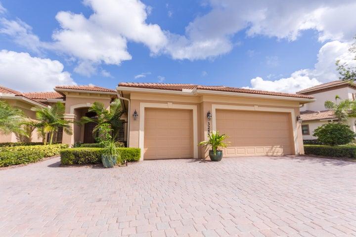 3255 NW Stoney Creek Avenue, Jensen Beach, FL 34957