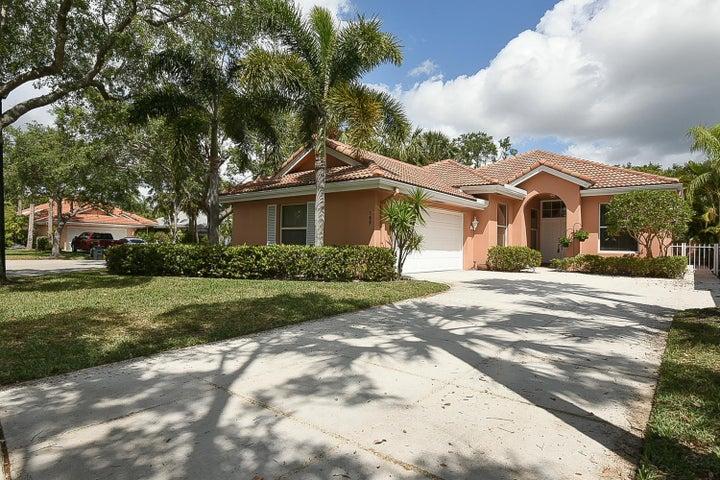 169 Hampton Circle, Jupiter, FL 33458