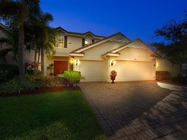 11516 SW Glengarry Court, Port Saint Lucie, FL 34987