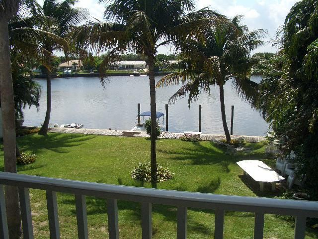 537 W Kalmia Drive, Lake Park, FL 33403
