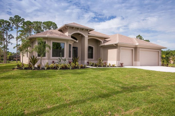 8607 SE Antigua Way, Jupiter, FL 33458