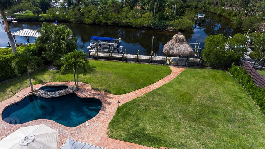 8438 SE Merritt Way, Jupiter, FL 33458