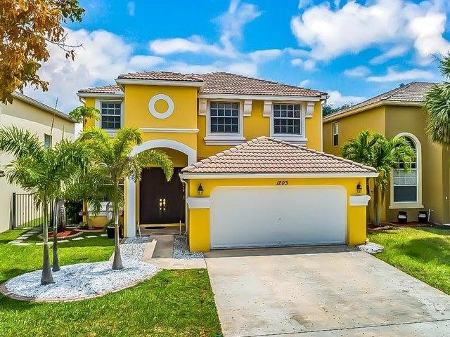 1203 Oakwater Drive, Royal Palm Beach, FL 33411