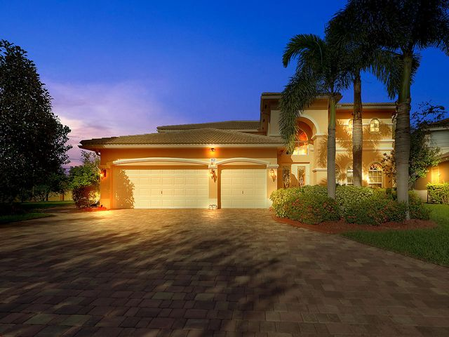 1521 SE Alliance Place, Stuart, FL 34997