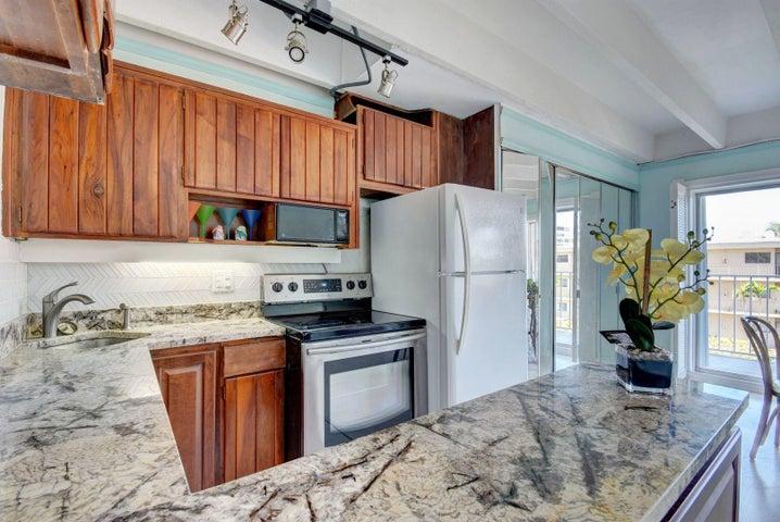 4001 S Ocean Boulevard 317, South Palm Beach, FL 33480