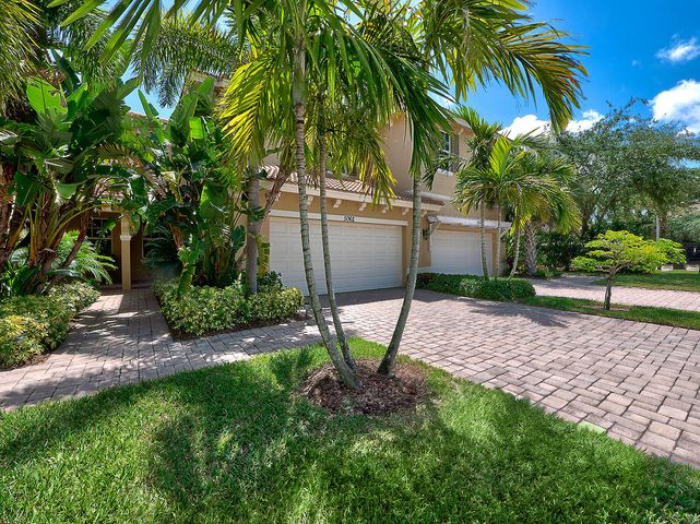 5062 Dulce Court, Palm Beach Gardens, FL 33418