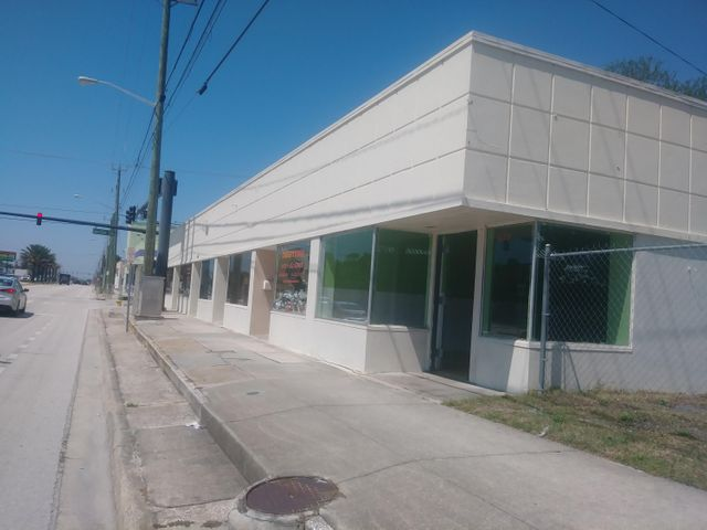 639 N Ridgewood Avenue, Daytona Beach, FL 32114