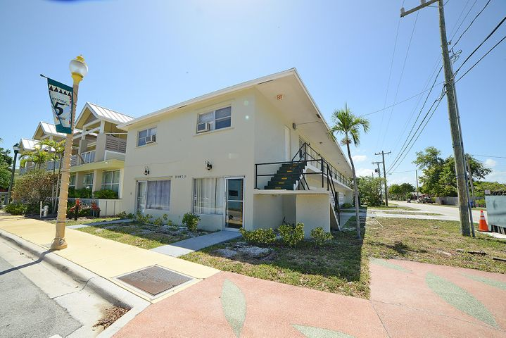 98 NW 5th Avenue, Delray Beach, FL 33444
