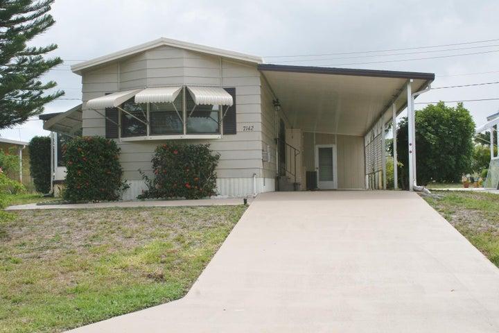7142 SE Bluebird Circle, Hobe Sound, FL 33455
