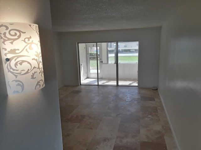 709 Lori Drive 113, Palm Springs, FL 33461