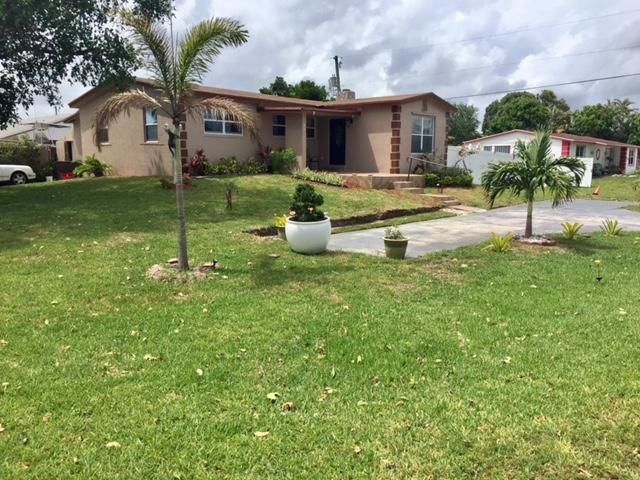 6873 Venetian Drive, Lake Worth, FL 33462