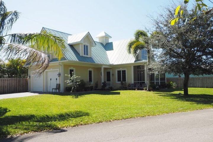 9066 SE Athena Street, Hobe Sound, FL 33455