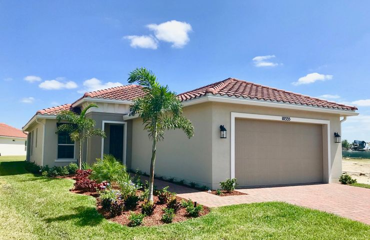 10335 SW Indian Lilac Trail, Port Saint Lucie, FL 34987