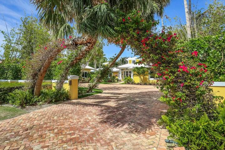 104 Lighthouse Drive, Jupiter Inlet Colony, FL 33469