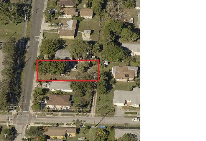 213 NW 10th Avenue W, Delray Beach, FL 33444