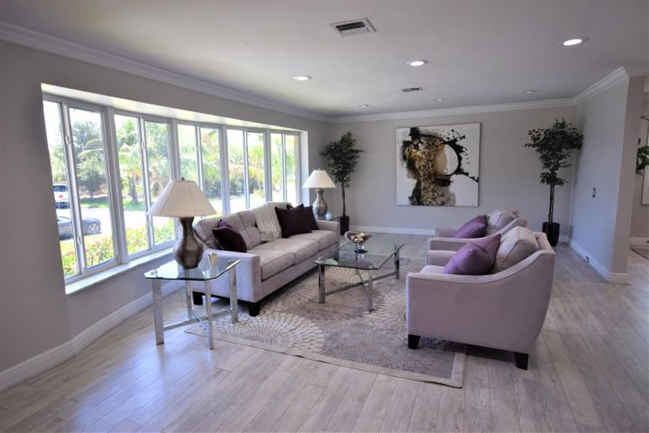 111 SE 29th Avenue, Boynton Beach, FL 33435