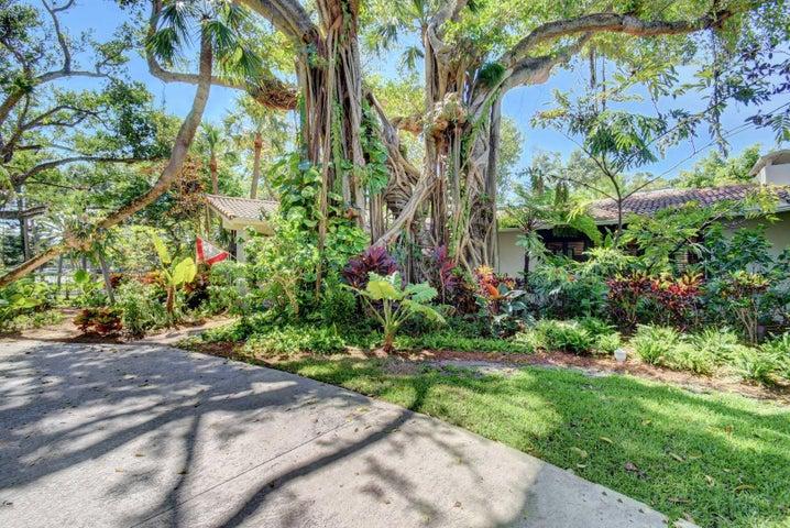 898 Ponce De Leon Road, Boca Raton, FL 33432