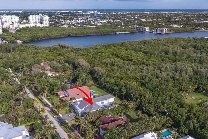 17 Coconut Lane, Ocean Ridge, FL 33435