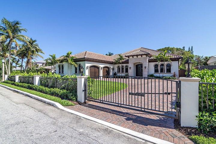 138 Alhambra Place, West Palm Beach, FL 33405