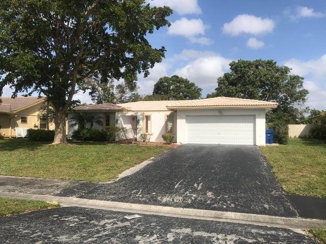983 Ramblewood Drive, Coral Springs, FL 33071