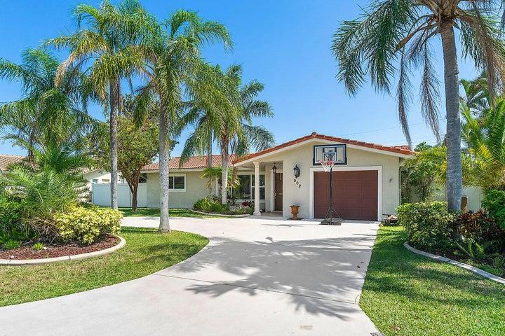908 SE 12th Street Street, Deerfield Beach, FL 33441