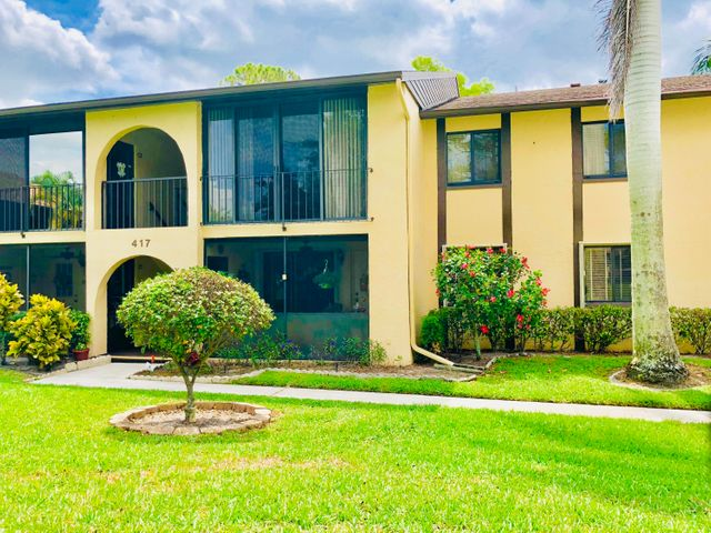 417 Pine Glen Lane B-2, Greenacres, FL 33463