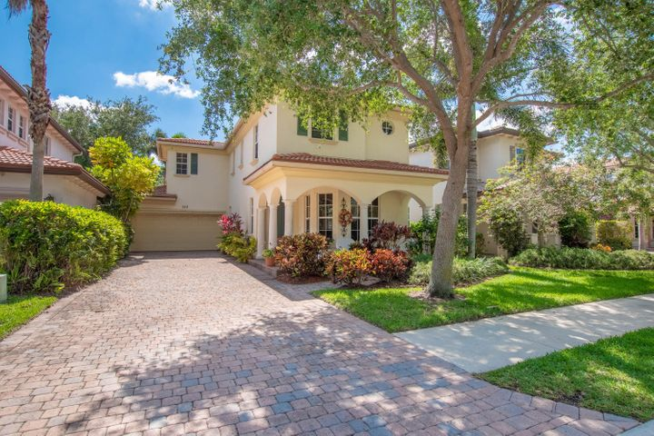 723 Duchess Court, Palm Beach Gardens, FL 33410