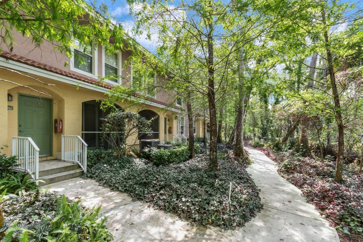 6742 W Sample Road 6742, Coral Springs, FL 33067
